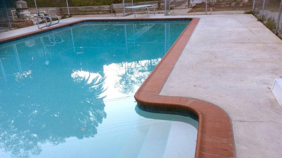 Penyebab berkurangnya volume air pada kolam renang - Swimming pool evaporation rate calculator ...